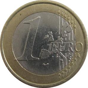 Archeologen vonden een stuk van één euro. Een veelgebruikt middel om winkelkarretjes te ontgrendelen wat wijst op de potentiële aanwezigheid van een supermarkt.
