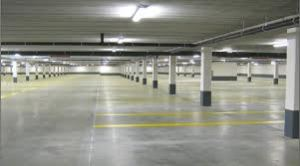 Zo ziet een gewone ondergrondse parkeergarage eruit. Vremde krijgt nu een ondergrondse tractorparkeergarage. Uniek in Vlaanderen.