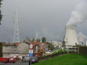 Het lek in Doel 3 waarin een kernreactor is ontdekt, gaat pas weer open na 1 januari.