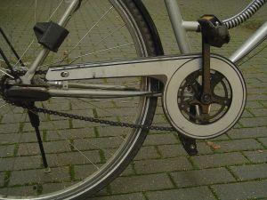 Uit respect voor het slachtoffer wordt de fiets onherkenbaar in beeld gebracht.