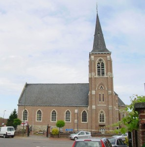 https://commons.wikimedia.org/wiki/File:ElingenChurch.jpg?uselang=nl